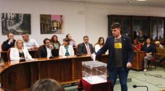 Izquierda Unida renuncia a la medalla que el ayuntamiento de Aranda regala a los concejales electos.