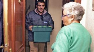 Izquierda Unida propone la remunicipalización del servicio de comida a domicilio como solución a la línea fría recientemente implantada.